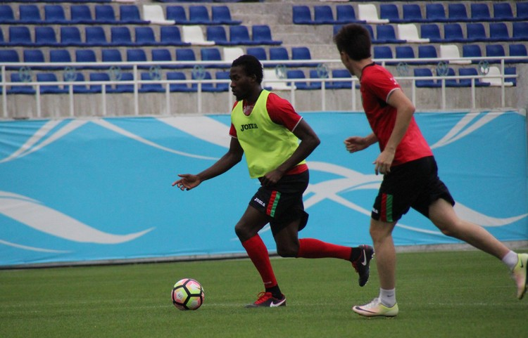 Mohamed Kone PFC Lokomotiv Tashkent UZBEKISTAN _ MOMO KONE _