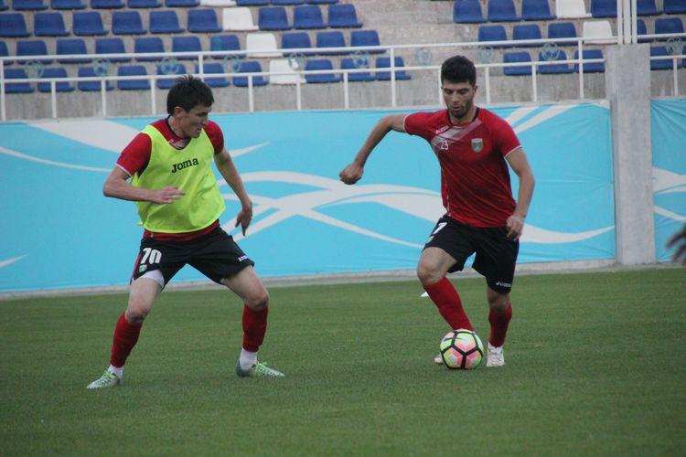 Footbal club LOKOMOTIV TASHKNET _ Training -- session -