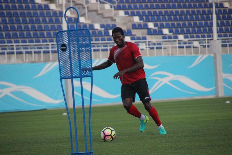 Mohammed Gnontcha Kone - training session LOKOMOTIV FC