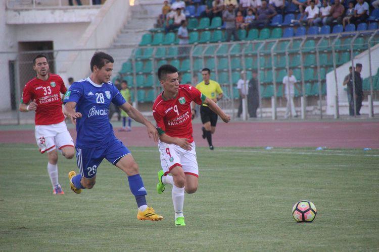 O'zbek futboli -