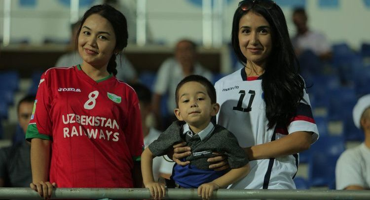 Uzbek football fans - Oliy liga - muxlislar - muxlisalar