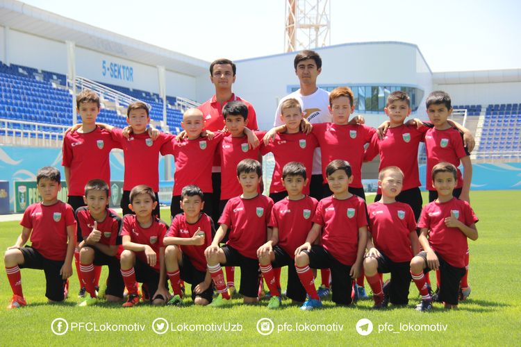Lokomotiv futbol maktabi _ Football school PFC Lokomotiv Tashkent