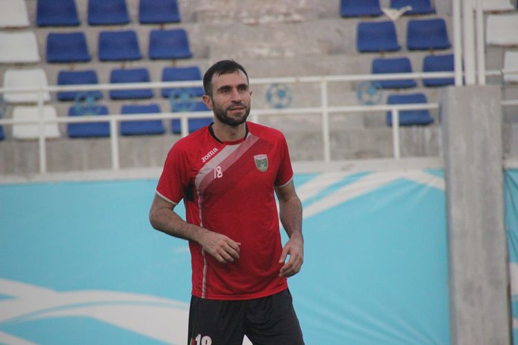 Timur Kapadze UZBEKISTAN FOOTBALL PLAYER