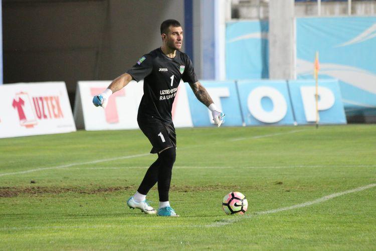 Ignatioy Nesterov FC Lokomotiv Uzbekistan GK