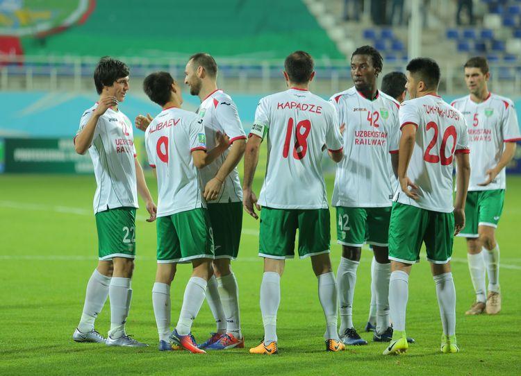 FC Lokomotiv Tashkent - 483743784