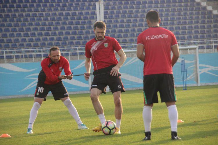 FC Lokomotiv Tashkent training Mirko Jelicic