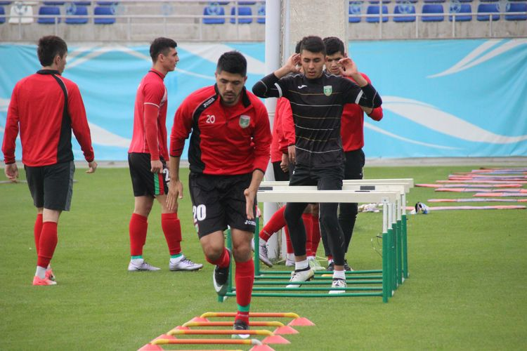 Training of FC Lokomotiv UZB